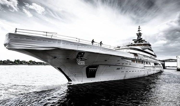 billionaire boat