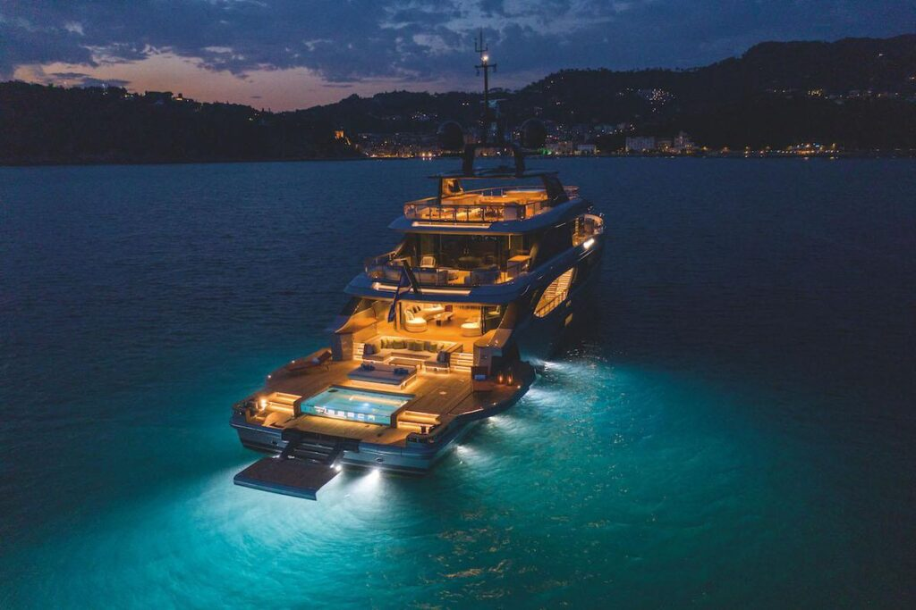 superyacht builders