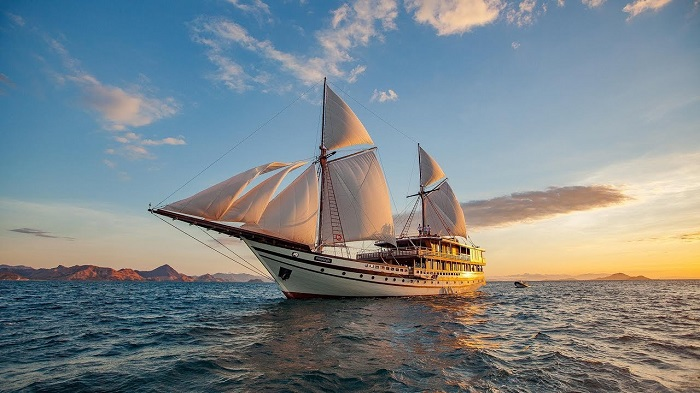 Private Yacht Charters - Prana